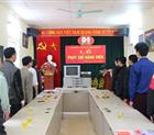 Lễ phát thẻ Đảng viên cho đồng chí Bùi Văn Nhinh.